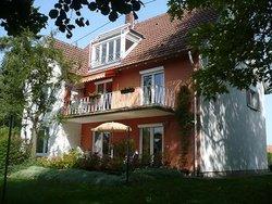 Bild zur kostenlos inserierten Ferienunterkunft Ferienwohnungen Gartenstadt Bad Waldsee.