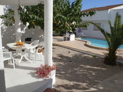 Bild zur kostenlos inserierten Ferienunterkunft Anlage Carpa mit Gemeinschaftspool.