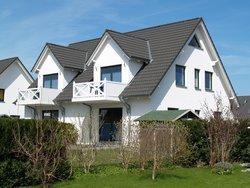 Bild zur kostenlos inserierten Ferienunterkunft Ferienhaus Binz für bis zu 6 Personen - strandnah.