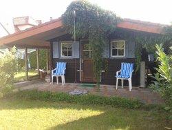Bild zur kostenlos inserierten Ferienunterkunft Holzhaus auf Rügen.