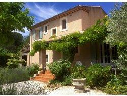 """Bild zur kostenlos inserierten Ferienunterkunft Villa """"Le soleil qui rit""""/ Entrecasteaux / Provence / Frankreich."""