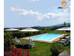 Bild zur kostenlos inserierten Ferienunterkunft Toskana Agriturismo mit Pool mit Blick auf San Gimignano (617SG).