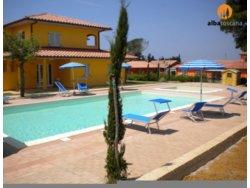 Bild zur kostenlos inserierten Ferienunterkunft Ferienwohnung mit Pool Residenz Scarlino Marina Toskana (577SC).