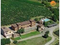 Bild zur kostenlos inserierten Ferienunterkunft Montepulciano Toskana Ferienwohnungen in Weingut mit Pool (591MP).