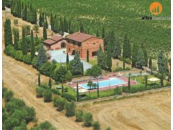 Bild zur kostenlos inserierten Ferienunterkunft Landgut mit Landhäuser und Schwimmbäder in Montepulciano Siena (605MP).