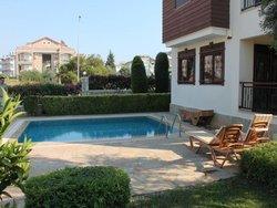 Bild zur kostenlos inserierten Ferienunterkunft Side Pearl Villa.