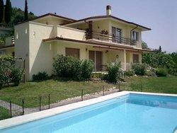 Bild zur kostenlos inserierten Ferienunterkunft Villa Marco - Cavaion (Gardasee).