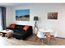 """Bild zur kostenlos inserierten Ferienunterkunft Haus """"Heide und Meer"""" Wohn. 1."""
