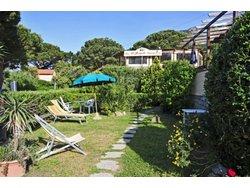 Bild zur kostenlos inserierten Ferienunterkunft Appartamenti Ibiscus auf Elba.