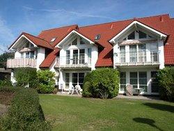 Bild zur kostenlos inserierten Ferienunterkunft Achtern Bodden Zingst, bis 5 Pers., 3 Schlafzimmer, Hund.