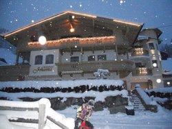 Bild zur kostenlos inserierten Ferienunterkunft Ferienhaus Johanna für 2 bis 19 Personen.